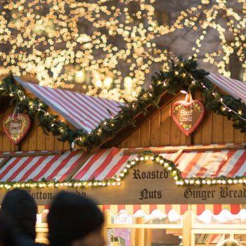 christkindlmarket huts